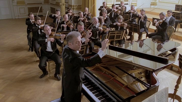 Daniel Barenboim plays and conducts Mozart's Piano Concerto No. 22