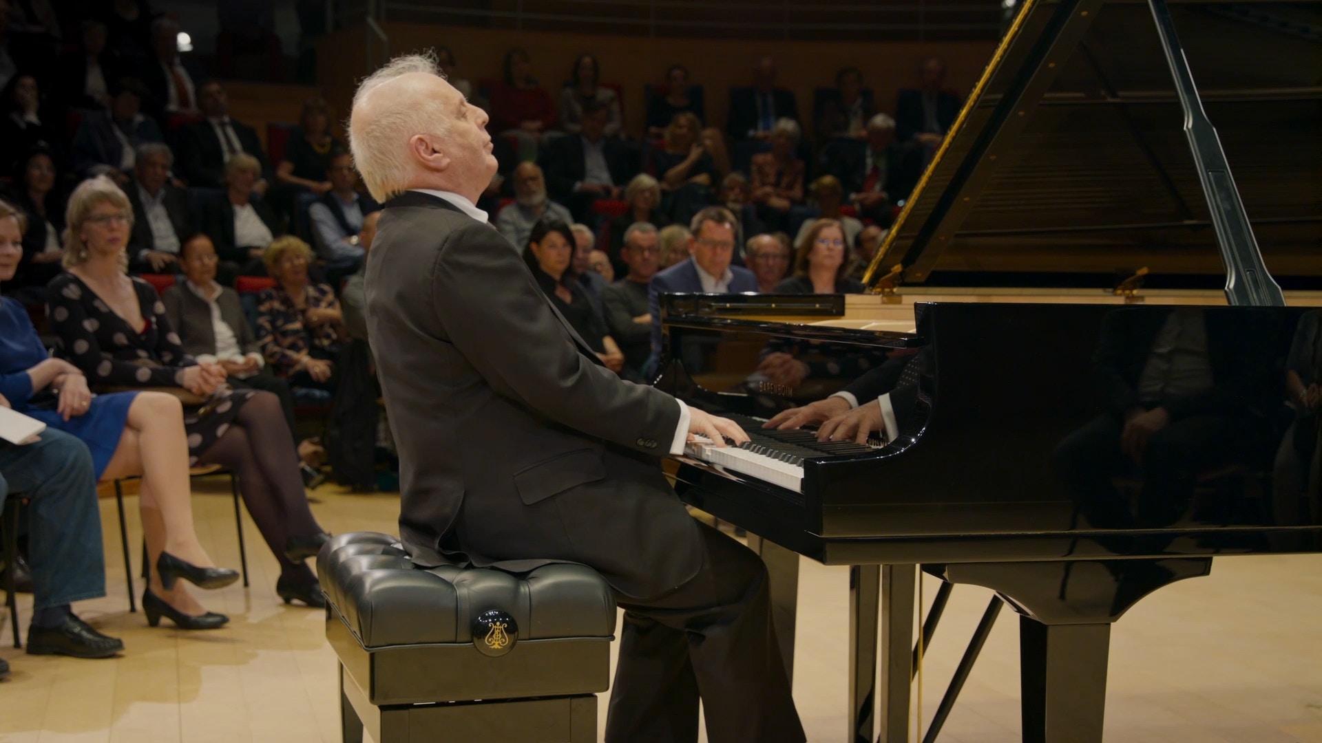 Concert Daniel Barenboim performs Schubert's Piano Sonatas ...