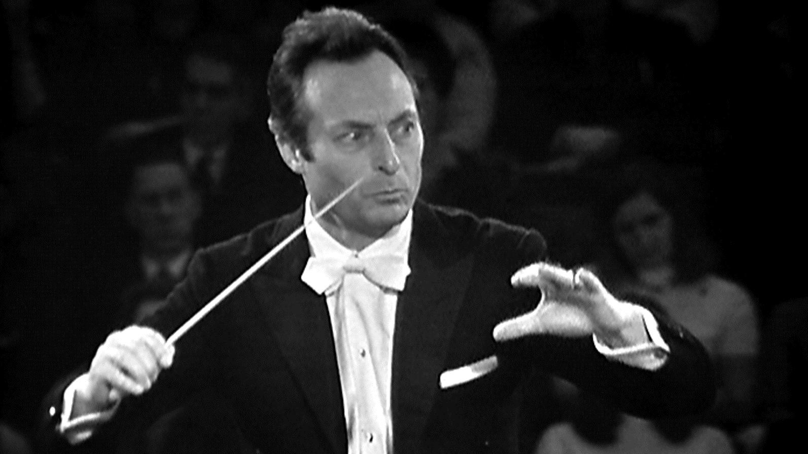 Carlo-Maria Giulini conducts Verdi and Constantin Silvestri conducts Beethoven