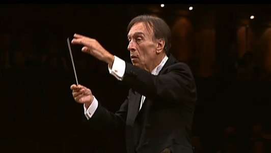Claudio Abbado conducts Beethoven's Symphony No. 5