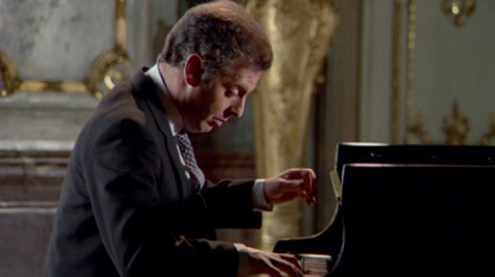 Daniel Barenboim plays Beethoven: Sonata No. 25