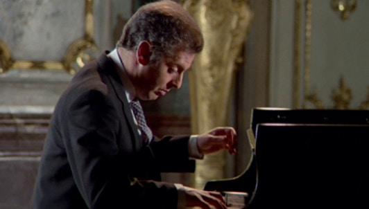"Daniel Barenboim plays Beethoven's Sonata No. 25, ""Alla tedesca"""