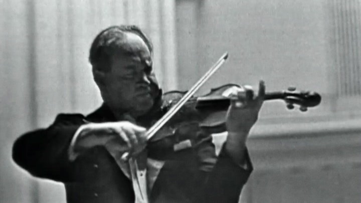David Oistrakh performs Brahms violin Concerto