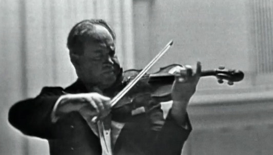 David Oistrakh performs Brahms's Violin Concerto