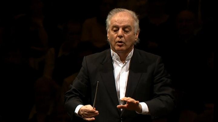 Daniel Barenboim conducts Mozart