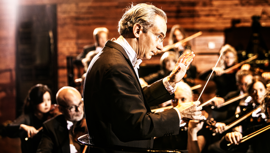Fabio Luisi conducts Beethoven, Strauss, and Schoenberg