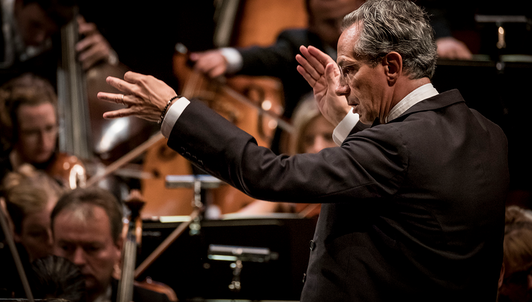 Fabio Luisi conducts Rachmaninov and Nielsen — With Lise de la Salle