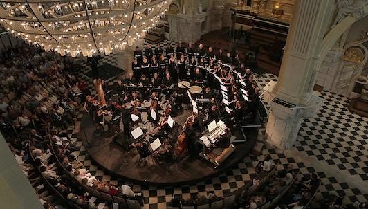 Mathieu Romano conducts Poulenc, Debussy, and Fauré's Requiem