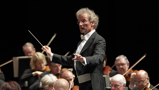 Franz Welser-Möst conducts Schubert and Strauss
