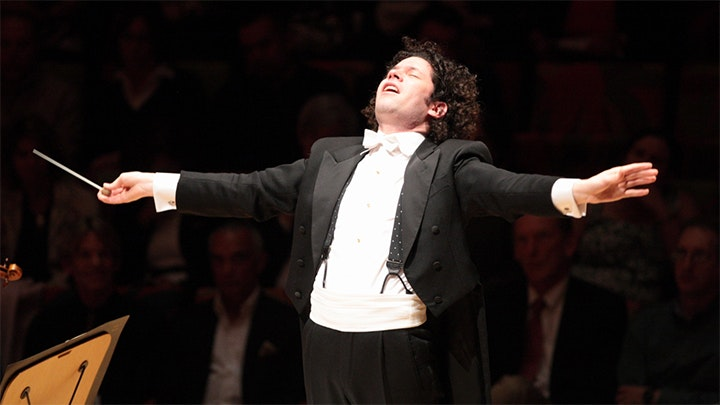 Gustavo Dudamel conducts Staar and R. Strauss