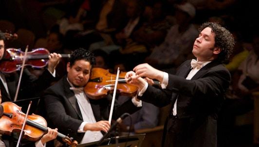 Gustavo Dudamel dirige Ravel, Stravinsky et une sélection de danses du monde