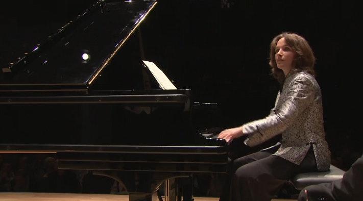 Hélène Grimaud and the Kammerorchester des Bayerischen Rundfunks in Bach, Silvestrov and Dvořák