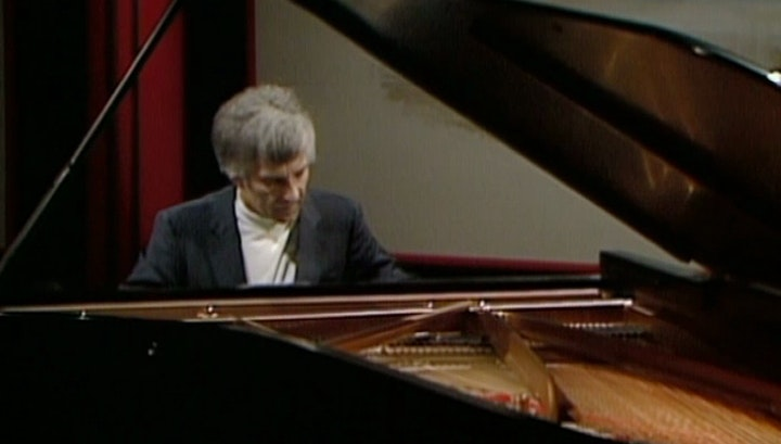 Vladimir Ashkenazy plays Schubert and Schumann