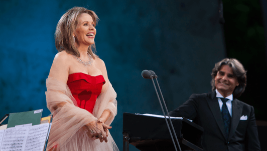 Ion Marin conducts Mussorgsky, Dvořák, Khachaturian, Strauss, Wagner... – With Renée Fleming