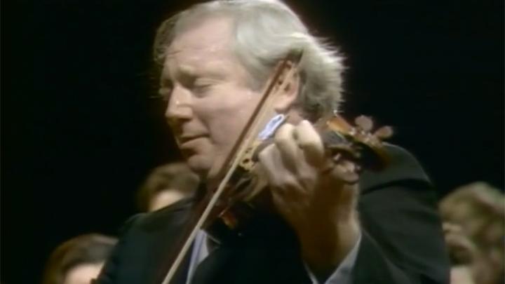 Isaac Stern interprète trois concertos pour violon de Mozart