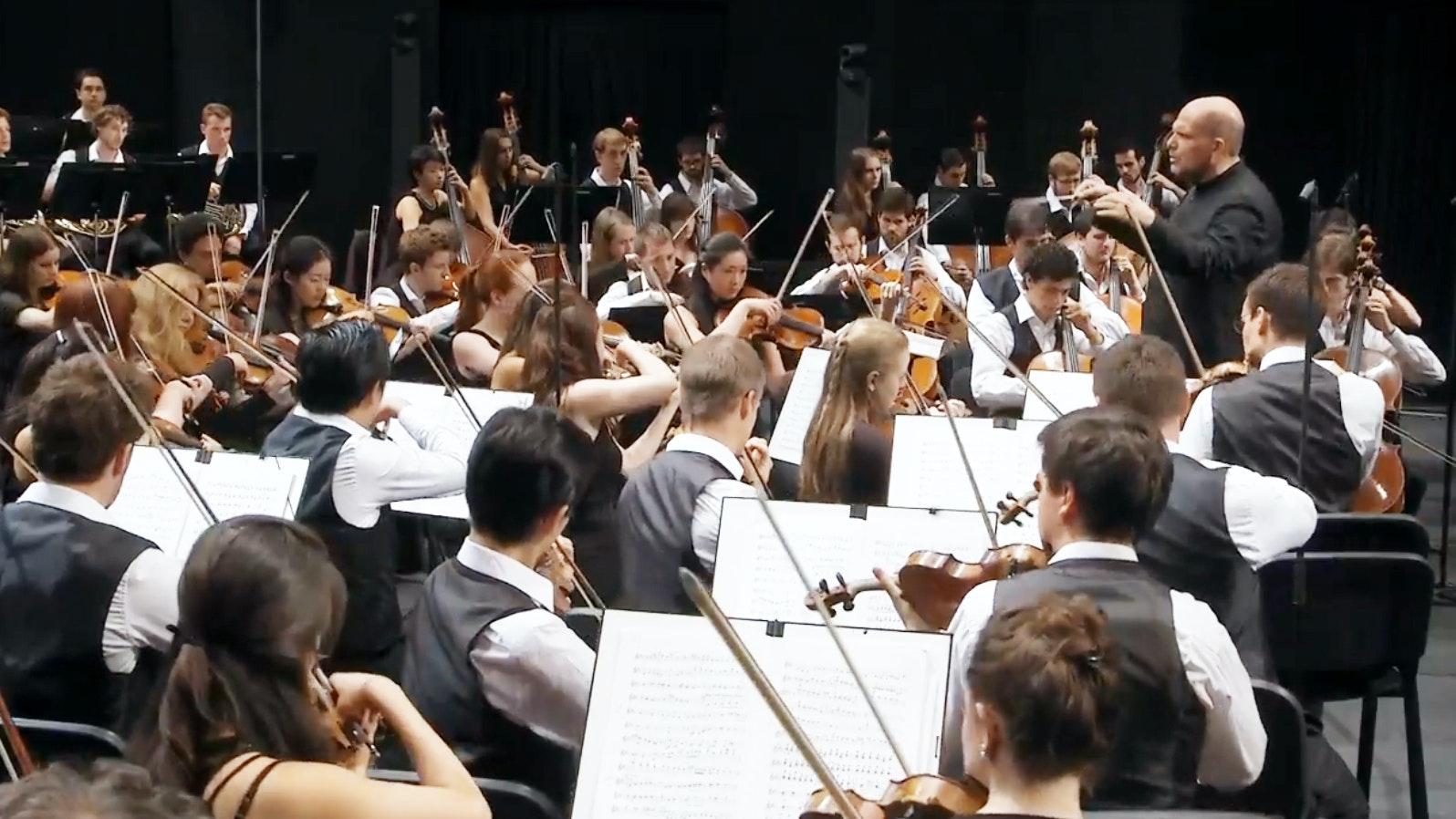 Jaap van Zweden conducts Bruckner