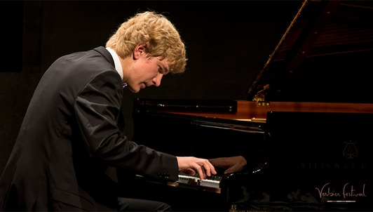 Jan Lisiecki plays Grieg, Chopin and Mendelssohn