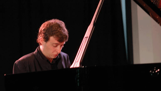 Jean-Frédéric Neuburger performs Beethoven and Chopin