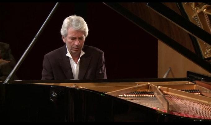 Jean-Philippe Collard in a program around Liszt's B Minor Sonata