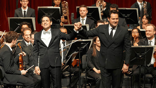 "Juan Diego Flórez and Friends sing for ""Sinfonia por el Perú"""