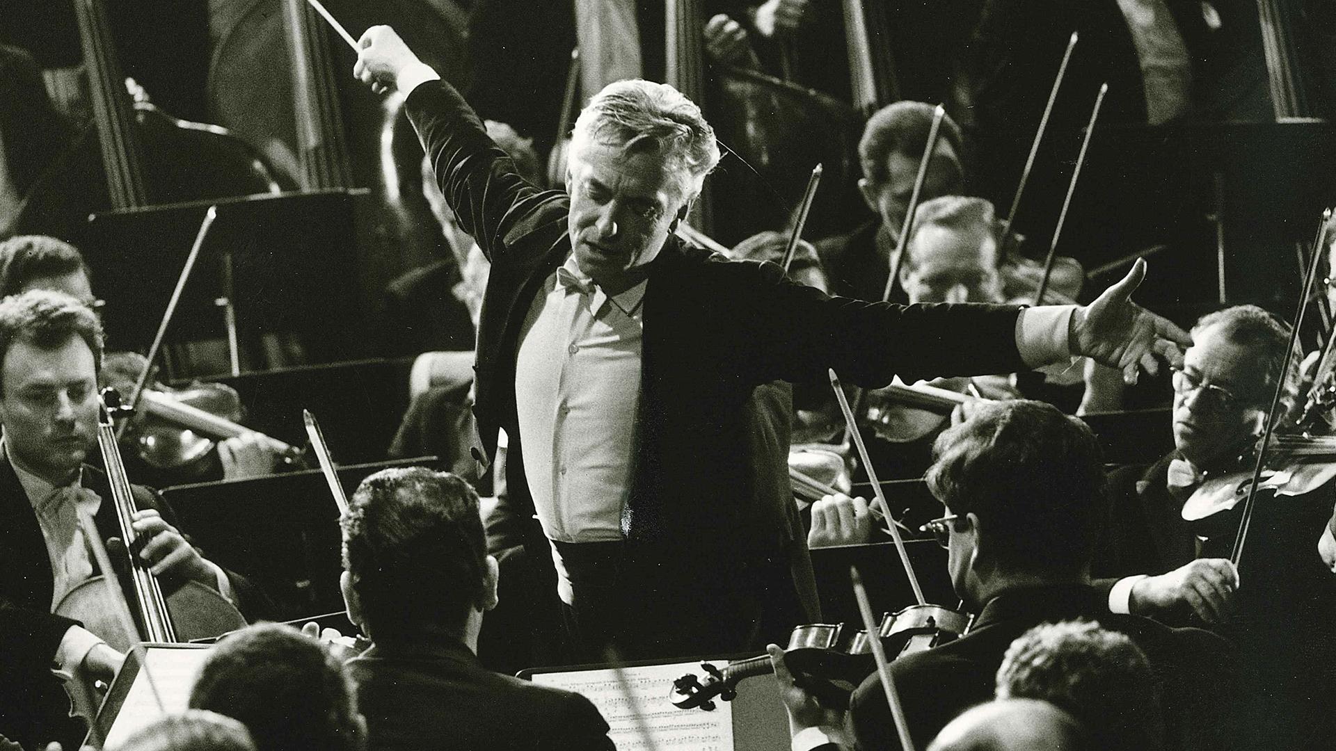 Les Berliner Philharmoniker fêtent leurs 100 ans avec Herbert von Karajan à la baguette