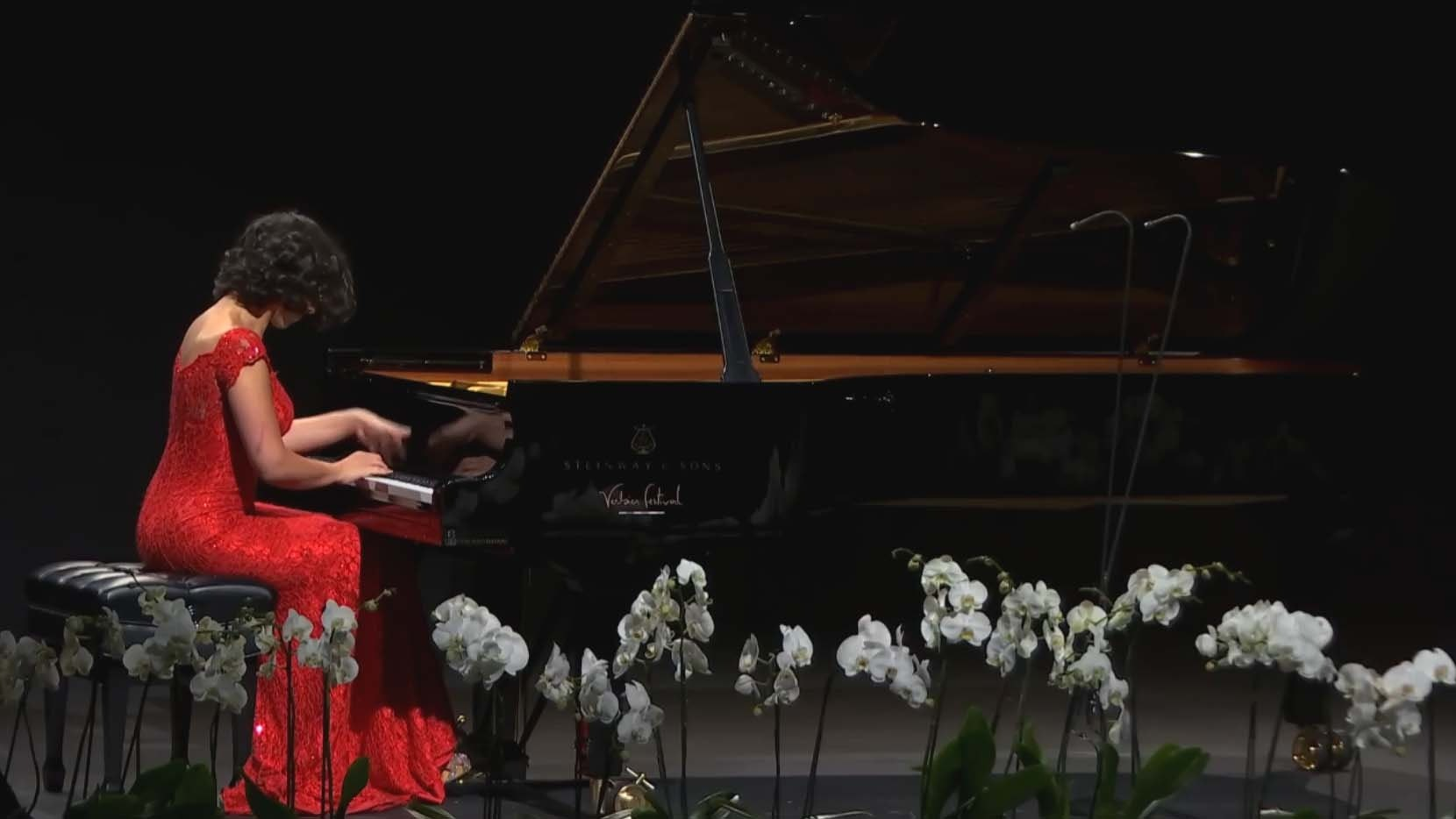 Khatia Buniatishvili performs Ravel, Liszt and Stravinsky