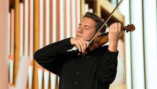 Kristóf Baráti interpreta las tres Sonatas para violín solo de Bach