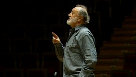 Kurt Masur: Maestro of Two Worlds