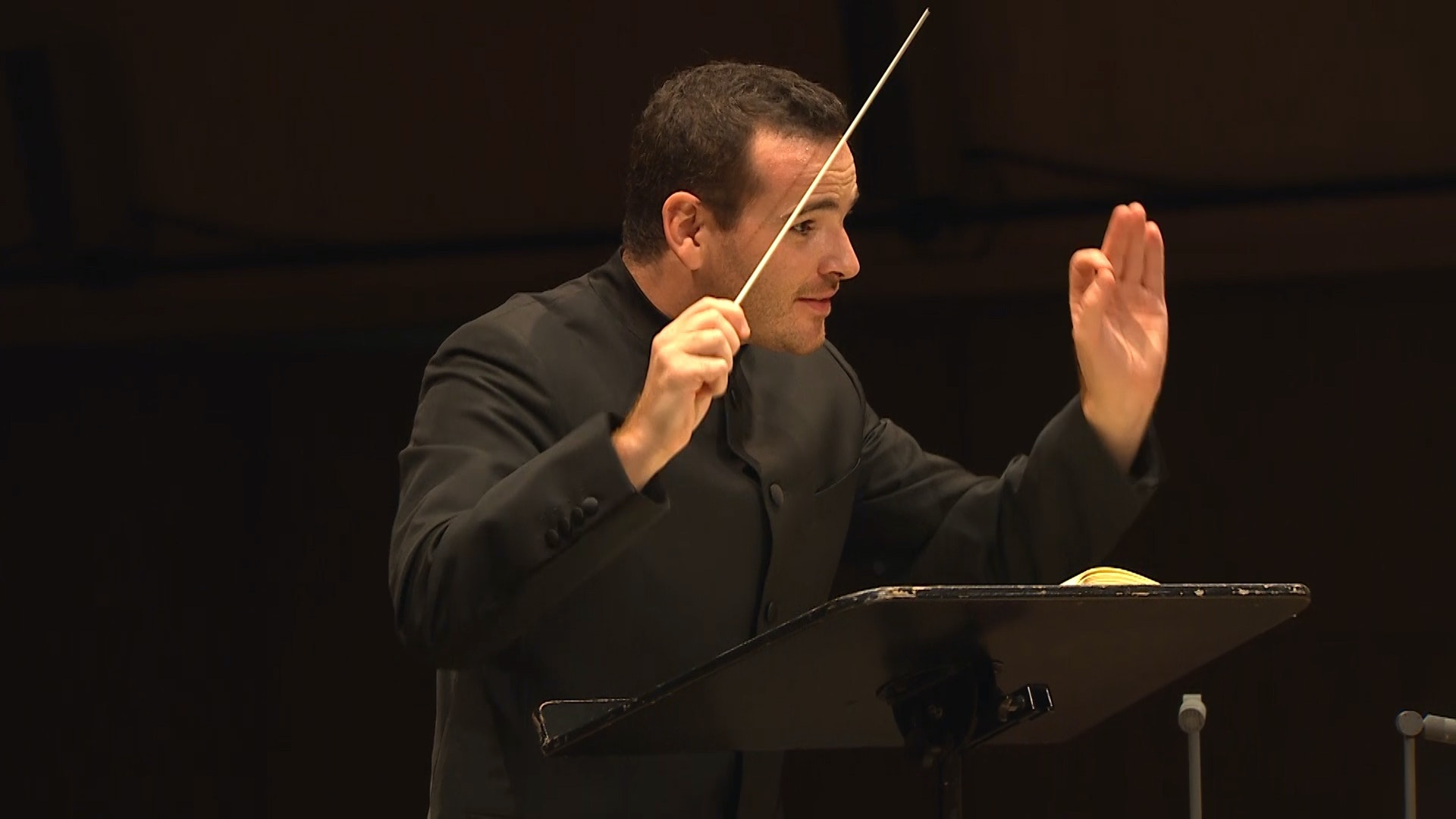 Lionel Bringuier conducts Dean and Beethoven