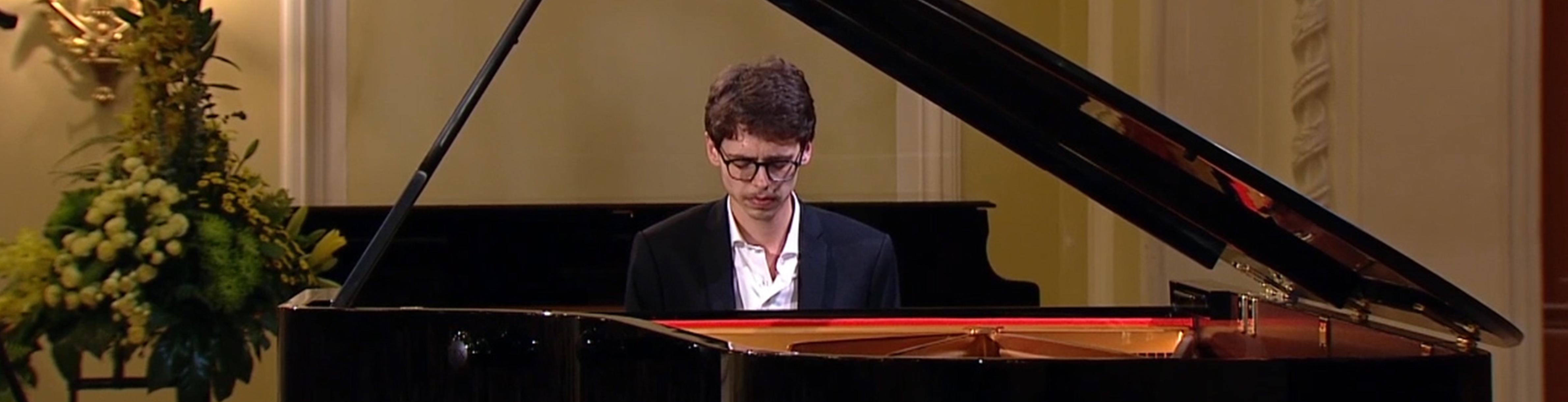 Lucas Debargue joue Chopin, Liszt, Rachmaninov et Tchaïkovski