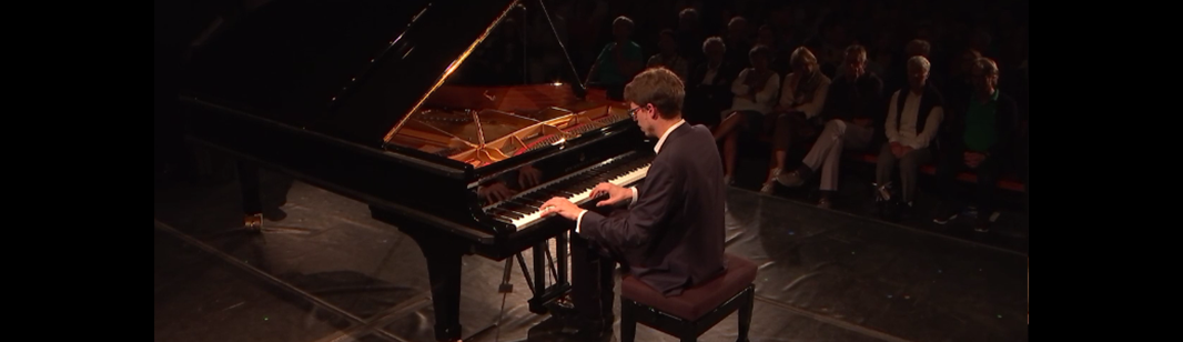 Lucas Debargue plays Schubert, Liszt, Schumann, Fauré, Chopin, Shostakovich, and Messiaen – With Janine Jansen, Mischa Maisky, Torleif Thedéen, and Martin Fröst