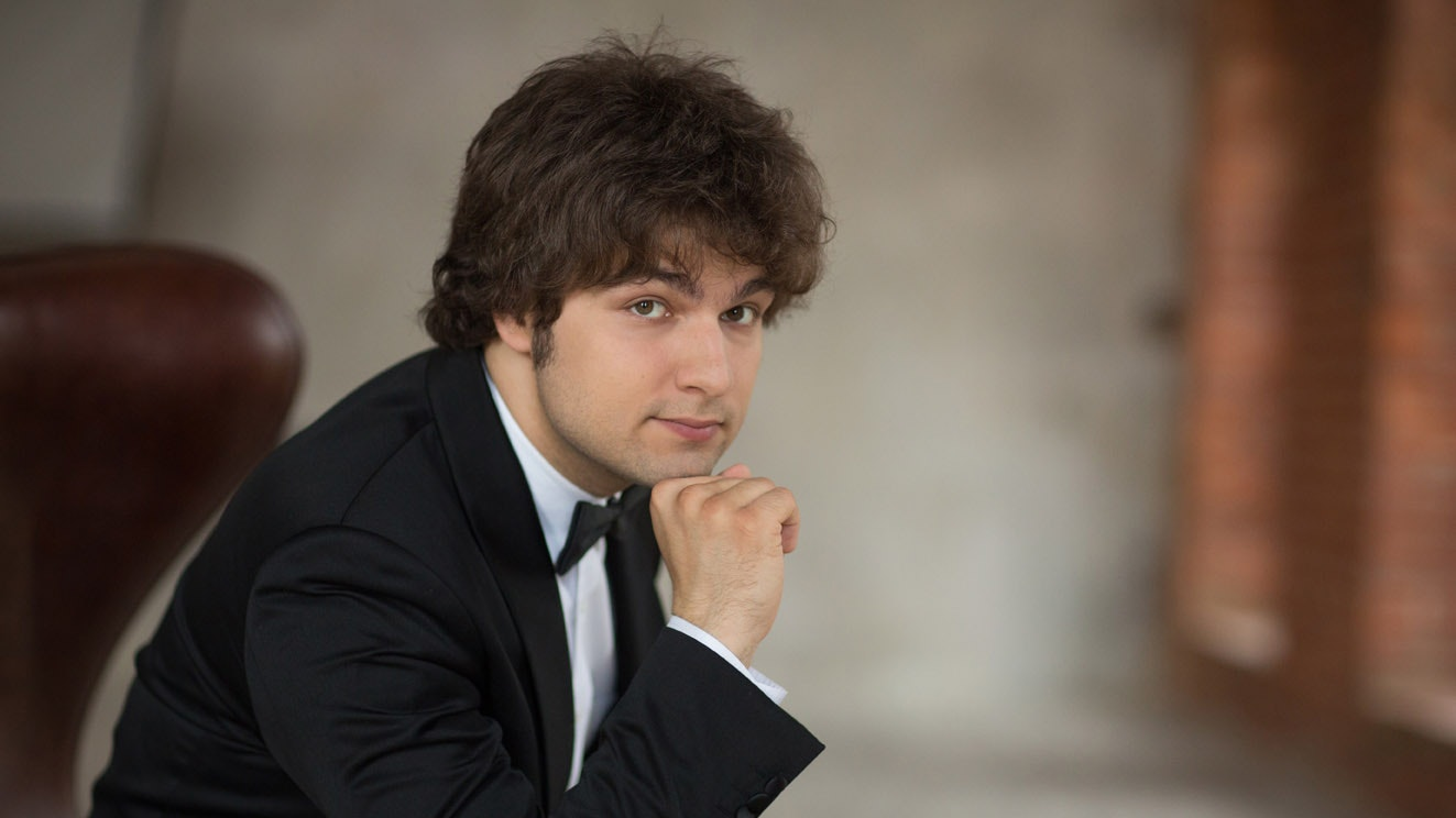 Lukas Geniušas performs Schumann, Chopin and Prokofiev