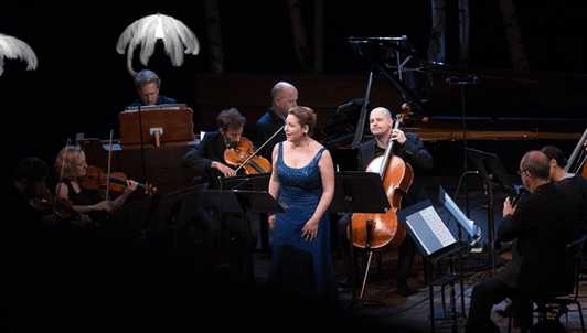 The Mahler Chamber Orchestra plays Schoenberg, Ravel, Satie, Debussy, and Mahler – With Karine Deshayes
