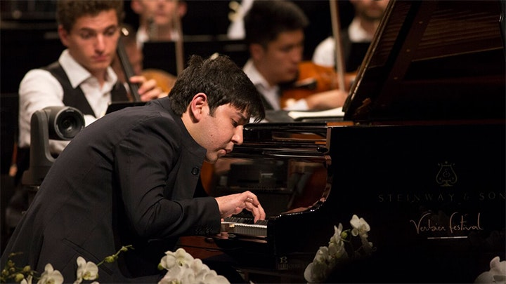 Manfred Honeck conducts R. Strauss, Prokofiev and Dvořák – With Behzod Abduraimov