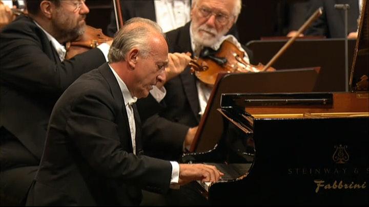 Claudio Abbado conducts Beethoven Piano Concerto No. 4 – With Maurizio Pollini