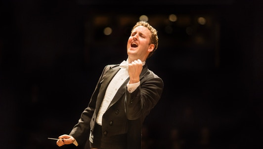 Michael Francis dirige Brahms, Shor y Beethoven — Con Stella Chen