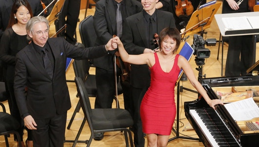 Michael Tilson Thomas conducts Gershwin and Shostakovich – With Yuja Wang