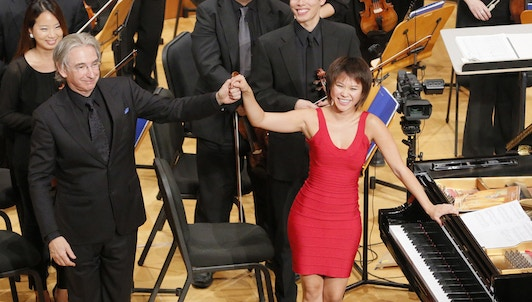 Michael Tilson Thomas conducts Gershwin and Shostakovich — With Yuja Wang