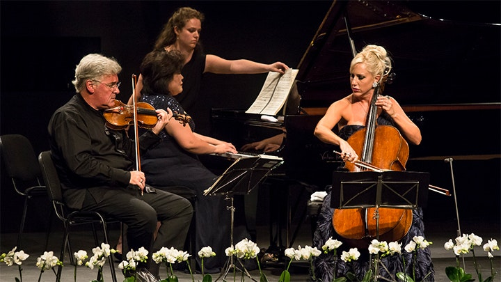 Pinchas Zukerman, Amanda Forsyth and Angela Cheng play Beethoven, Kodály and Mendelssohn
