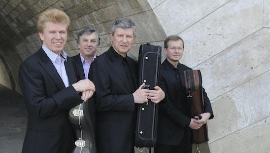 Le Quatuor Pražák et Vladimir Bukač jouent Rihm et Beethoven