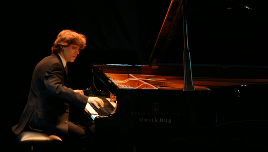 Rafał Blechacz plays Bach, Liszt, and Chopin