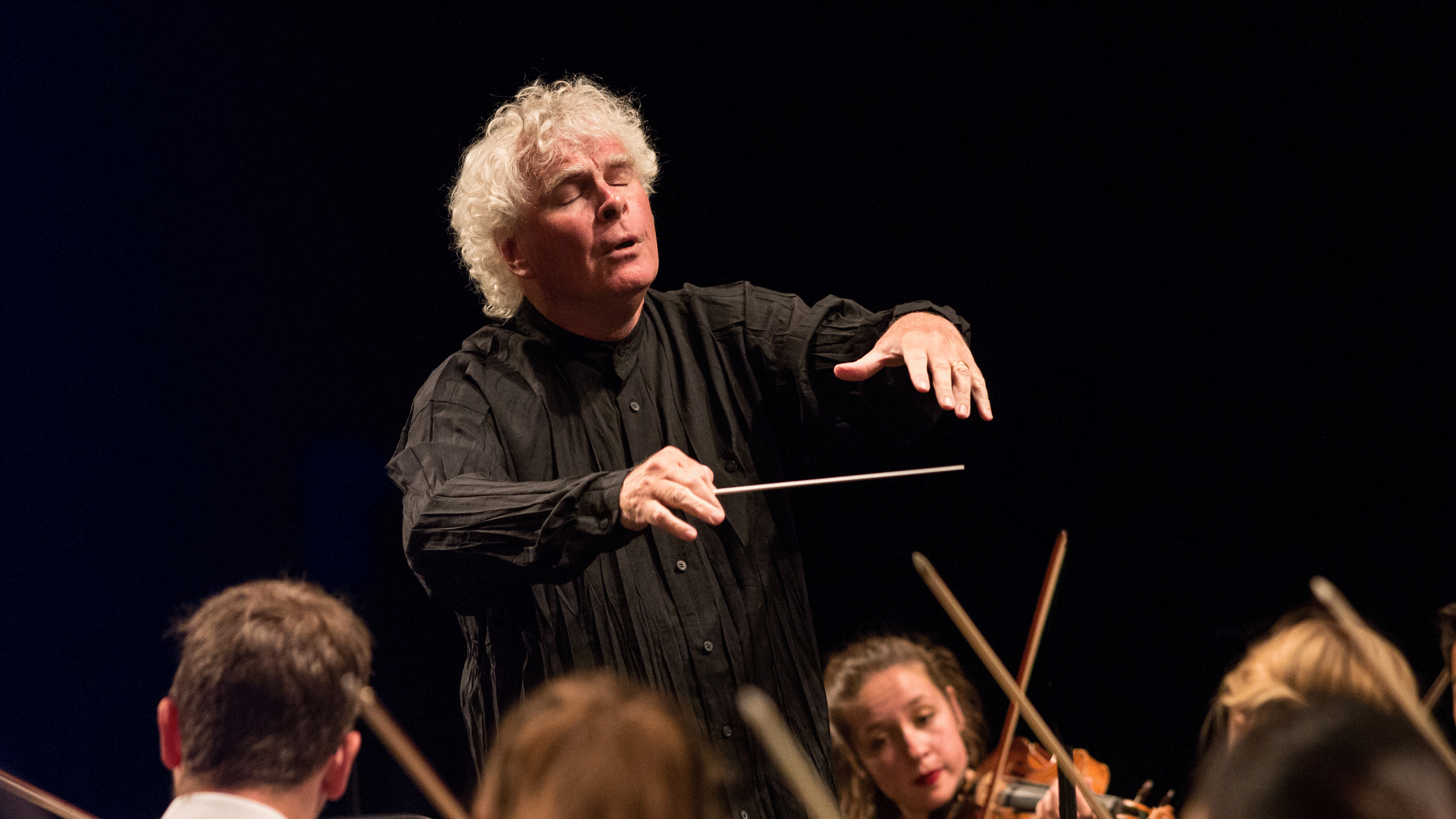 Sir Simon Rattle and sir András Schiff in Beethoven's Symphony No. 5 and Piano Concerto No. 1