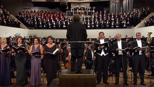 Riccardo Chailly dirige la Sinfonía n.° 8 de Mahler