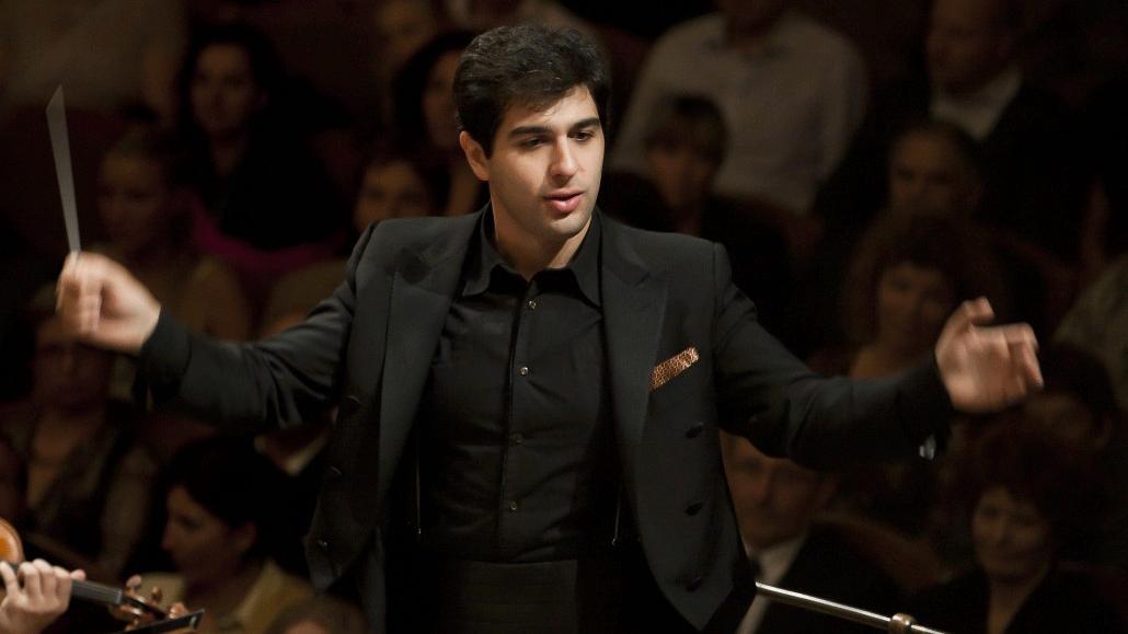 Sergey Smbatyan conducts Tchaikovsky