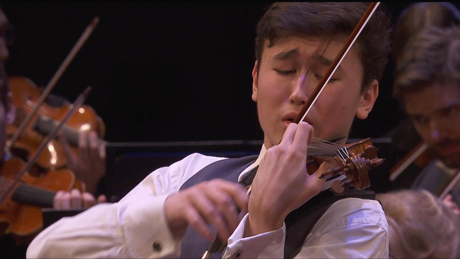 Tugan Sokhiev dirige Bruch et Chostakovitch – Avec Daniel Lozakovich