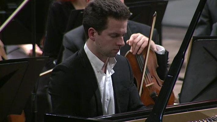 Tugan Sokhiev et Bertrand Chamayou interprètent Debussy, Ravel et Berlioz