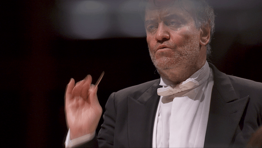 Valery Gergiev dirige la Obertura de Waverley, Les Nuits d'été y la Sinfonía fantástica de Berlioz