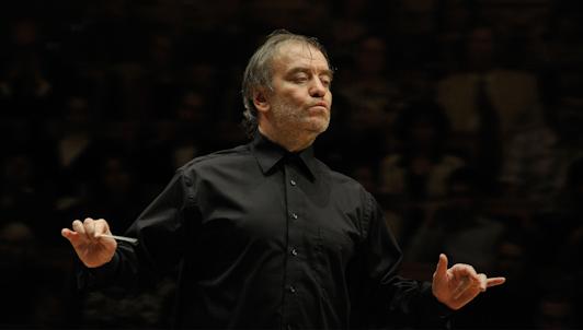 Valery Gergiev dirige Widmann, Brahms et Chostakovitch — Avec Leonidas Kavakos