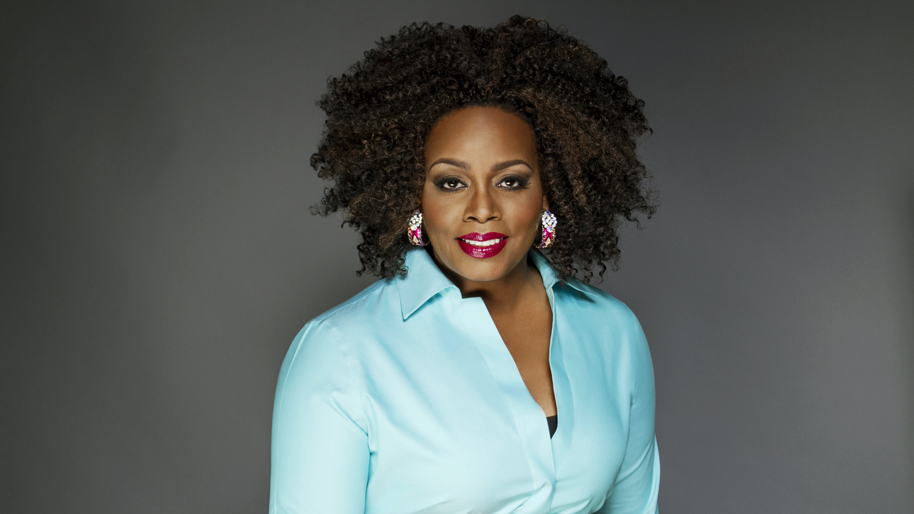 Dianne Reeves – With Peter Martin (Piano), Romero Lubambo (Guitar), Reginald Veal (Double Bass) and Terreon Gully (Drums)