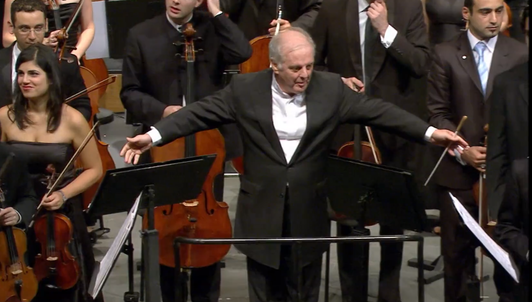 Daniel Barenboim conducts Beethoven and Schoenberg